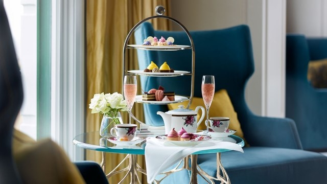 tlsyd-dining-palm-court-afternoon-tea-with-wedgwood-1680-945
